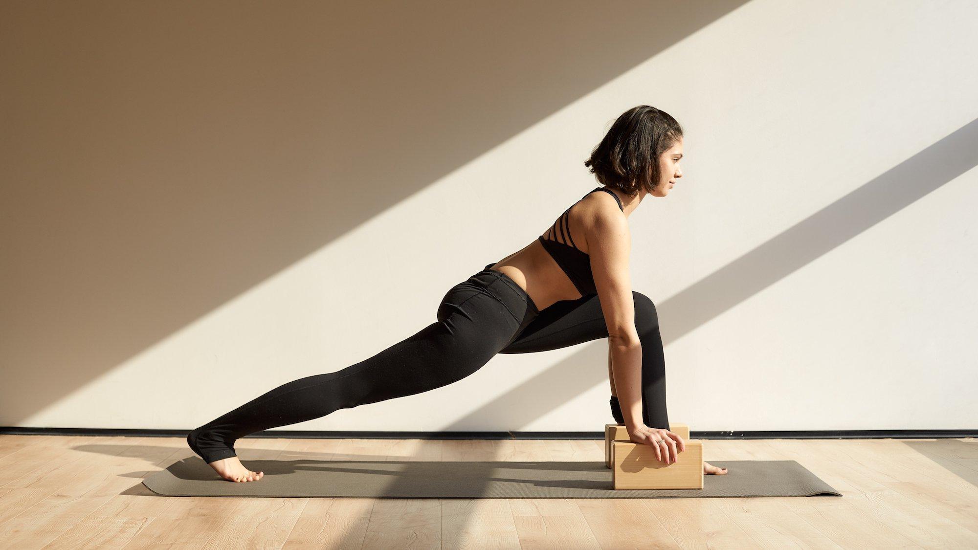 Вечерняя практика йоги перед сном для начинающих: комплексы, упражнения