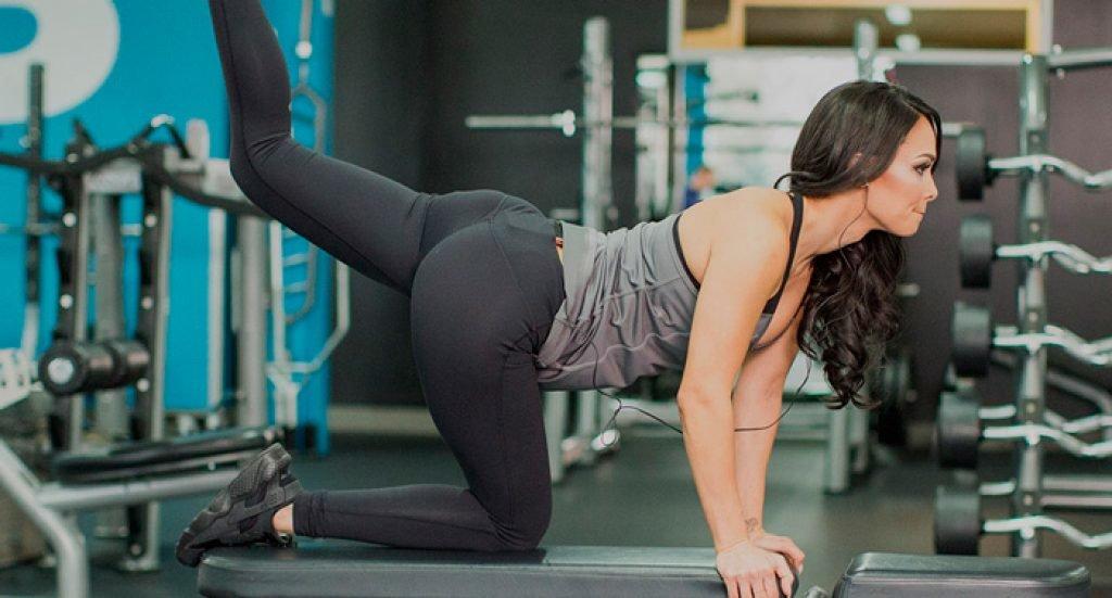 Варианты упражнений для ягодиц в домашних условиях и в тренажерном зале Как накачать ягодичные мышцы девушкам Примеры тренировочных программ, советы