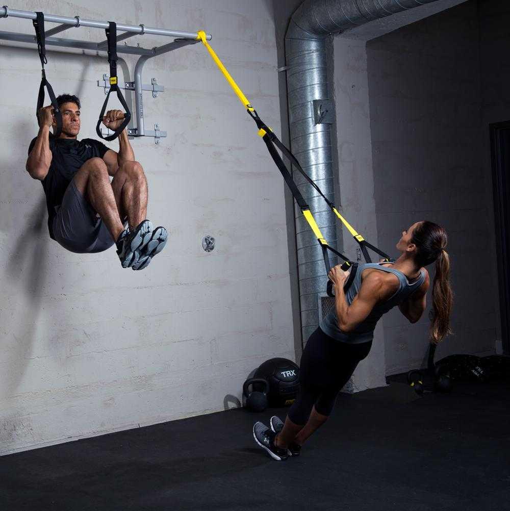 Фитнес-резинка (мини-бенд): что это, для чего нужна, где купить + 40 упражнений