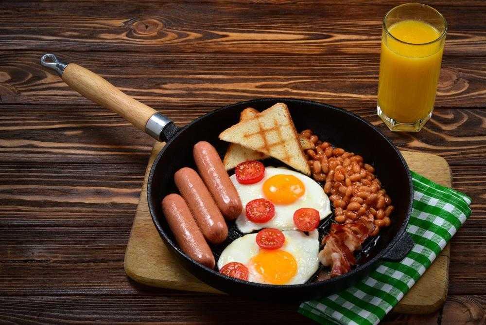 Рецепты на быструю руку на обед или ужин За 15 минут вы можете порадовать себя и близких запеченным картофелем с фасолью или салат с киноа и тунцом