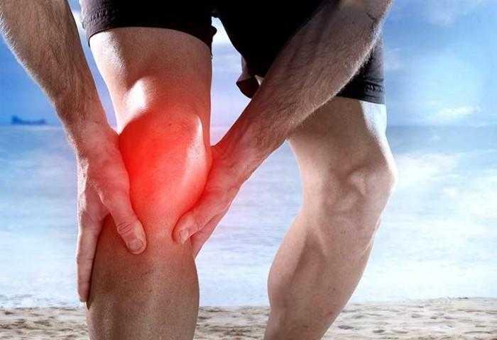 Чем и как лечить, если болят колени при приседании и вставании?