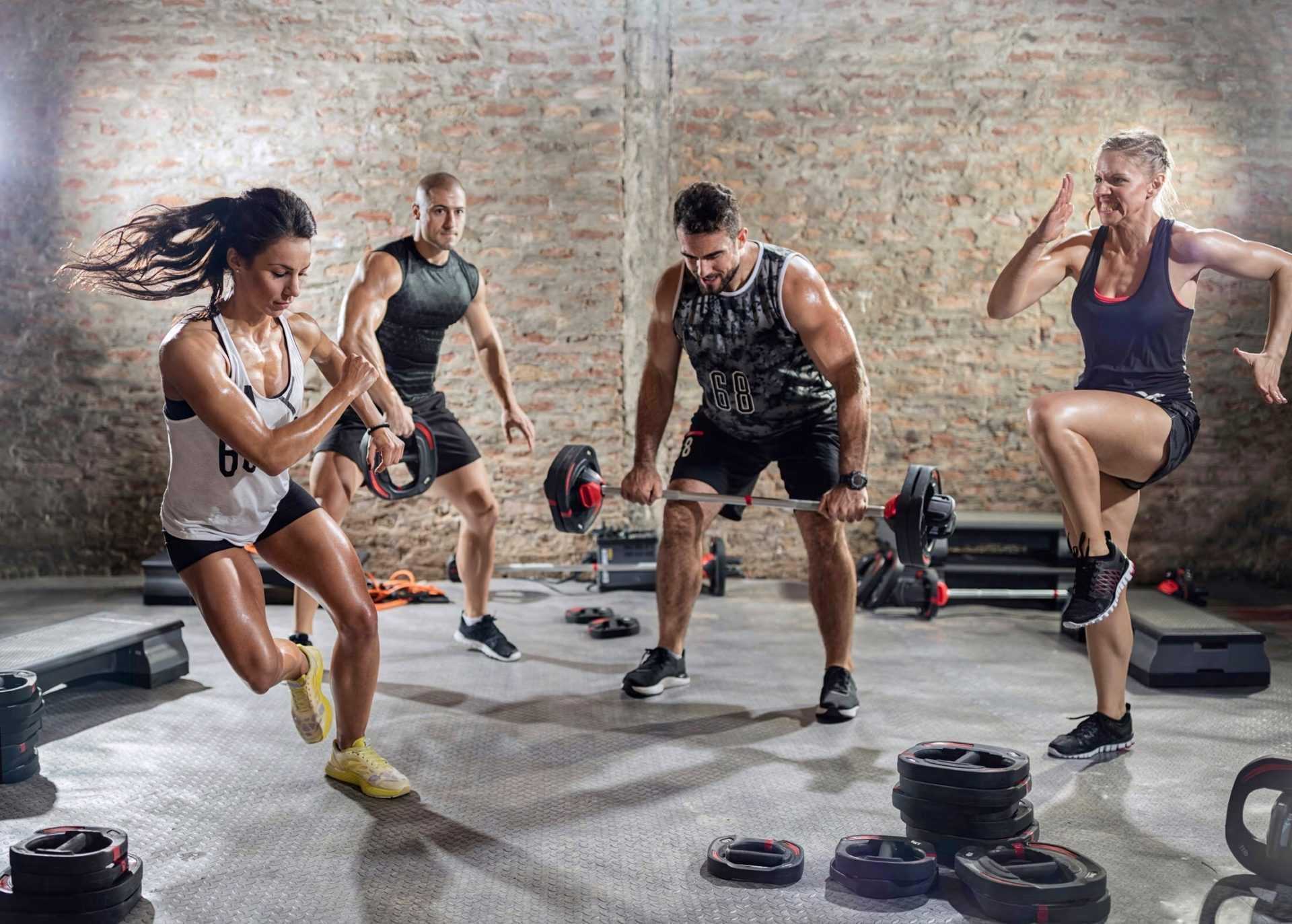 ВИИТ (HIIT): что это, эффективность, польза и вред, сравнение с кардио-тренировками, кому подойдет ВИИТ Особенности, упражнения и схема тренировок ВИИТ