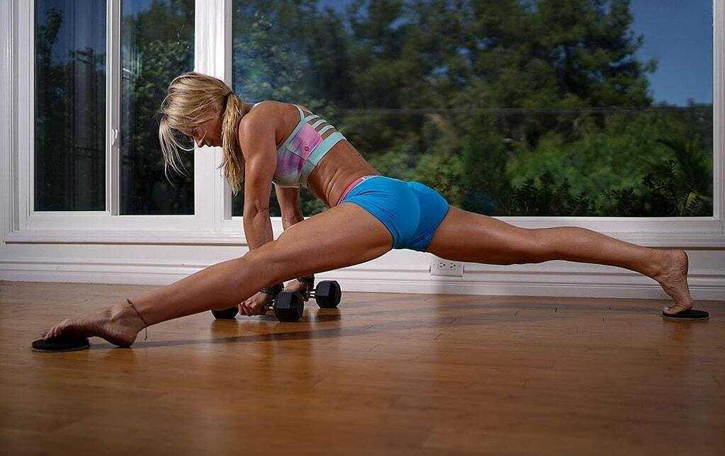 20 эффективных упражнений для ног и ягодиц для тренировок дома