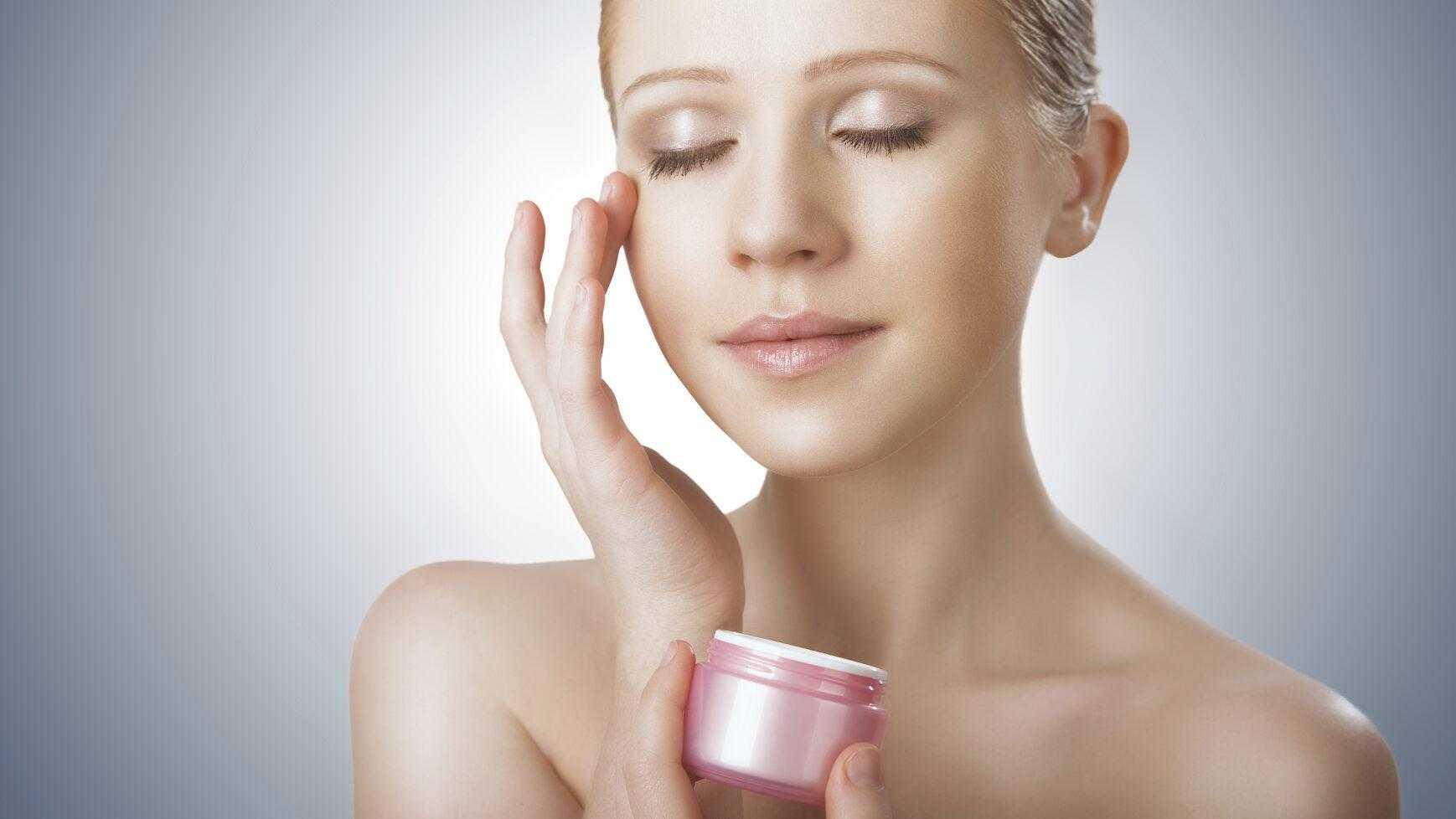 Этапы ухода за кожей лица: что нужно и как подобрать кремы, правильные ежедневные косметические средства, базовый пошаговый порядок