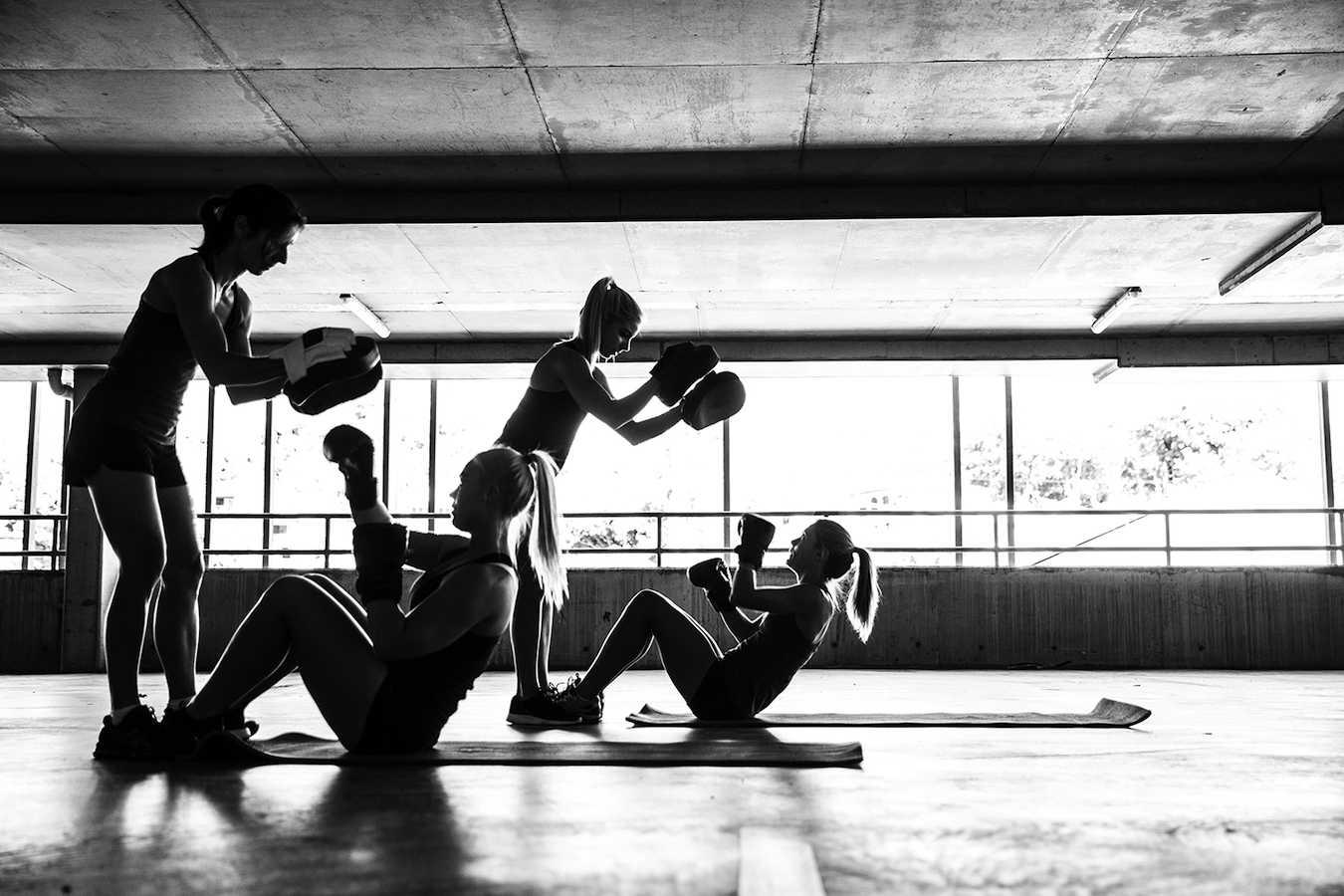 15 минут ада: интенсивная тренировка из простых упражнений - лайфхакер