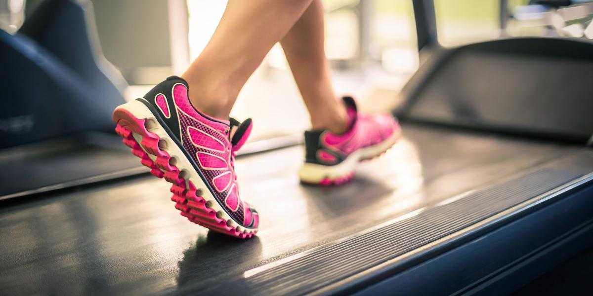 Кроссовки для фитнеса (72 фото): как выбрать удобные женские кроссовки, высокие модели, какие лучше, отзывы