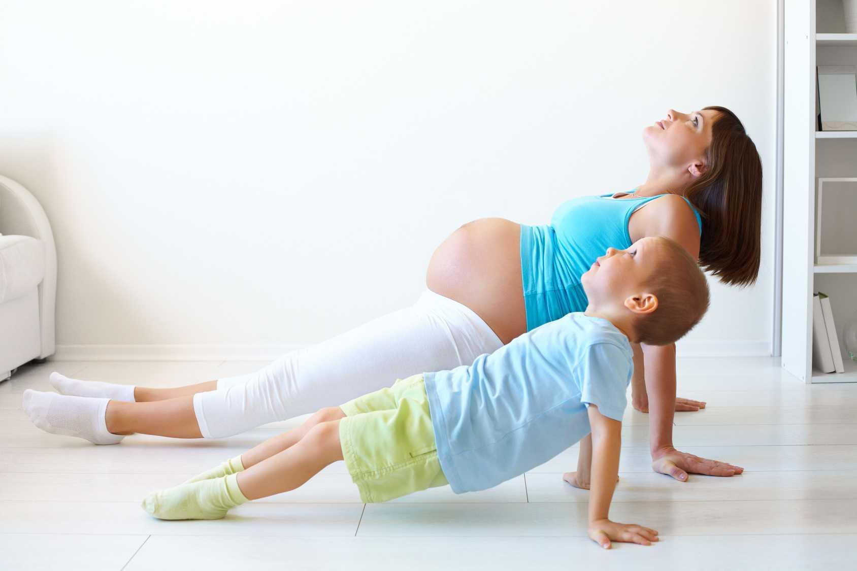 Фитнес для беременных по триместрам - занятия гимнастикой, физическая нагрузка и упражнения
