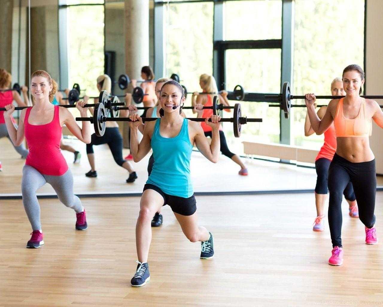 6 силовых тренировок для девушек в домашних условиях