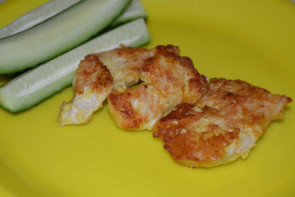 Диетические салаты с курицей: 7 низкокалорийных рецептов с куриной грудкой, сыром, овощами и фруктами
