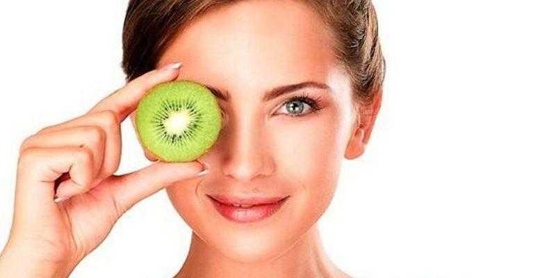 Предлагаем вам 10 полезных продуктов для глаз и хорошего зрения, которые помогут уменьшить нагрузку на глаза, обогатят витаминами, минералами и антиоксидантами