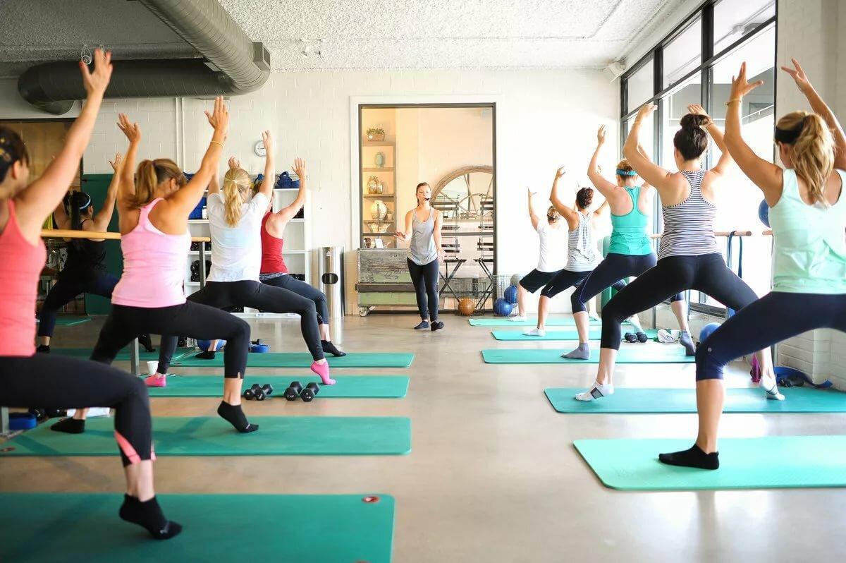 Групповые занятия фитнесом для похудения: польза групповых занятий спортом