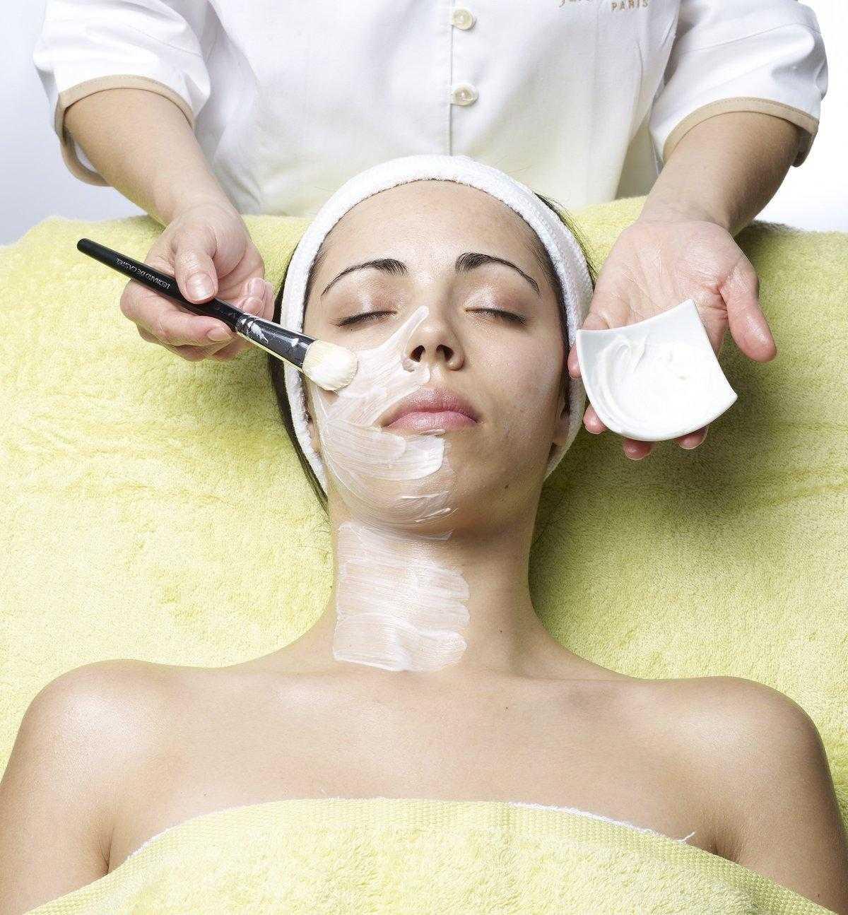 Как быстро омолодить лицо без помощи косметолога и хирургии