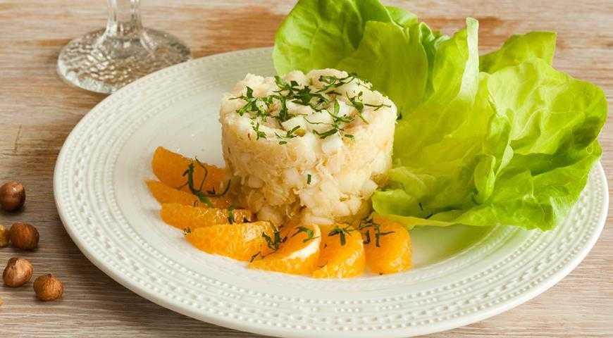 Салат из корневого сельдерея и яблока – кулинарный рецепт