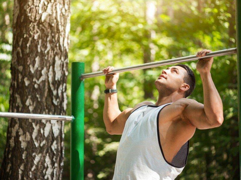 Особенности и виды отжиманий на брусьях, схема эффективных тренировок