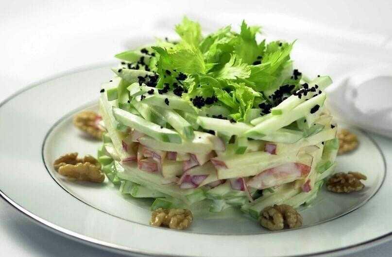 Салаты из корня сельдерея: 11 лучших рецептов  