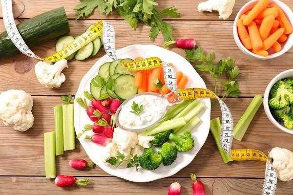 Как правильно питаться по возрасту Принципы сбалансированного питания в 20, 30, 40 и 50 лет Вырабатывание здоровых привычек в 20 и разнообразный рацион в 50