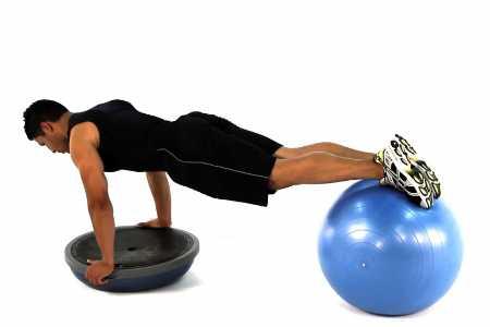 Bosu (босу) фитнес тренировка на все тело. 11 упражнений с босу