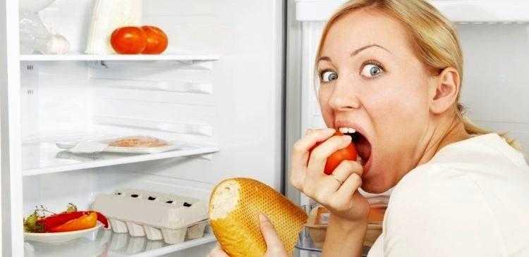 Обжорство и переедание ночью: признаки причины, последствия. что делать при переедании на ночь, как избавиться от чувства голода ночью?
