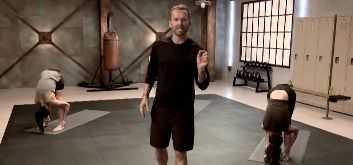 Blast Off Body Fat – это программа из серии 10 Minute Solution Сюзанна Боуэн предлагает комплекс занятий для красивого подтянутого тела без проблемных зон