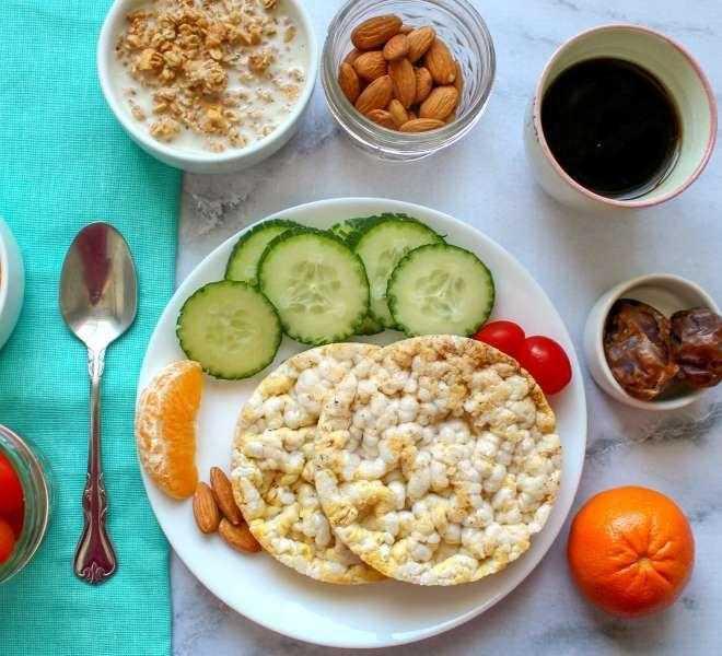 Быстрый завтрак правильное питание: полезные варианты, идеи и примеры низкокалорийной и сытной еды для похудения с рецептами и фото