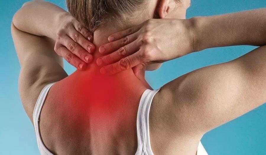 Что делать, если мышцы шеи, плеч и верхней части спины постоянно напряжены Разбираемся, как расслабить хроническое напряжение и убрать неприятные симптомы