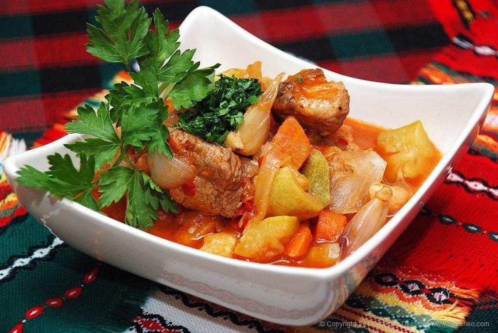 Как приготовить овощное рагу: 5 секретов и 5 необычных рецептов - лайфхакер