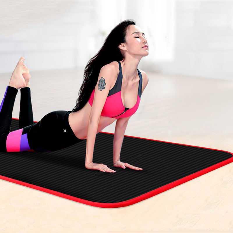 Коврик для йоги и фитнеса: подбор спортивного инвентаря, параметры оценки и предпочтительный размер