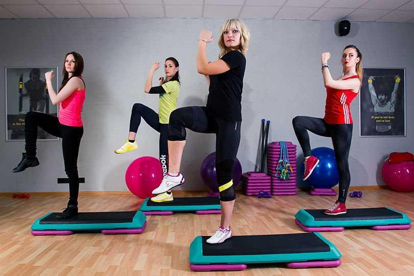 Степ аэробика для похудения: комплекс упражнений, отзывы и результаты - похудейкина