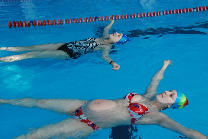 Как с помощью плавания похудеть?