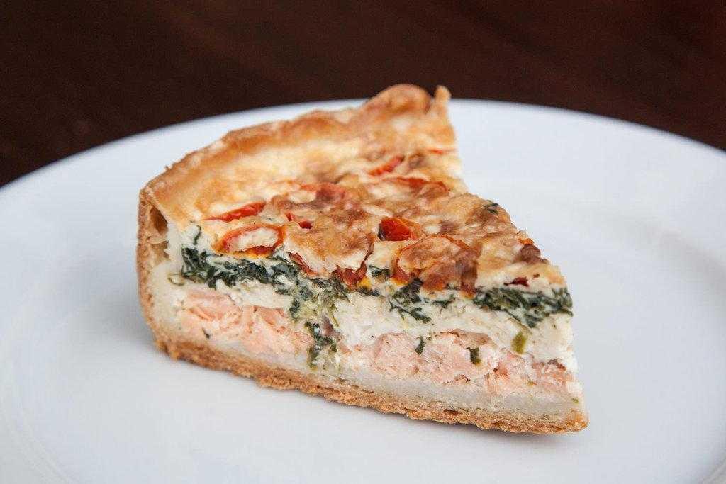 Пирог рыбный с семгой – кулинарный рецепт