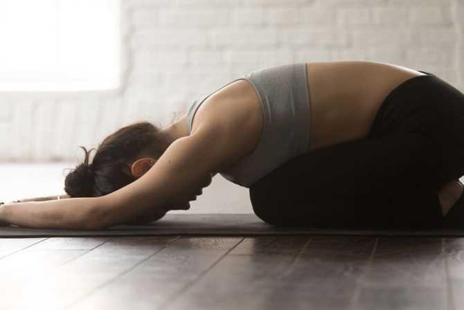 Топ-30 асан для начинающих: подборка упражнений из йоги