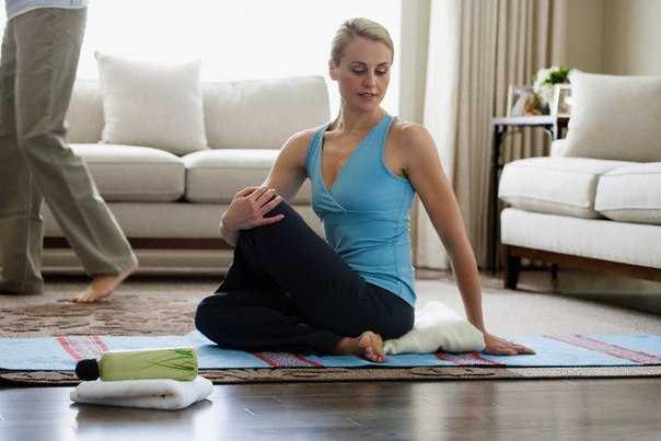 Журнал о здоровом образе жизни на портал поможет вам освоить основные позы Йоги Видео уроки для начинающих, чтобы заниматься дома
